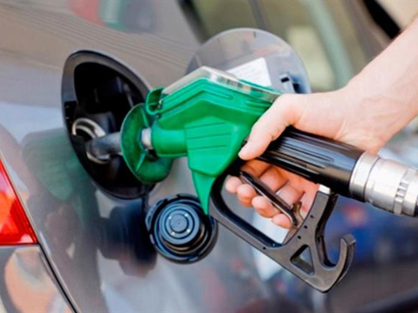 صورة أشياء تزيد استهلاك الوقود 40% وطريقة الحفاظ على البنزين