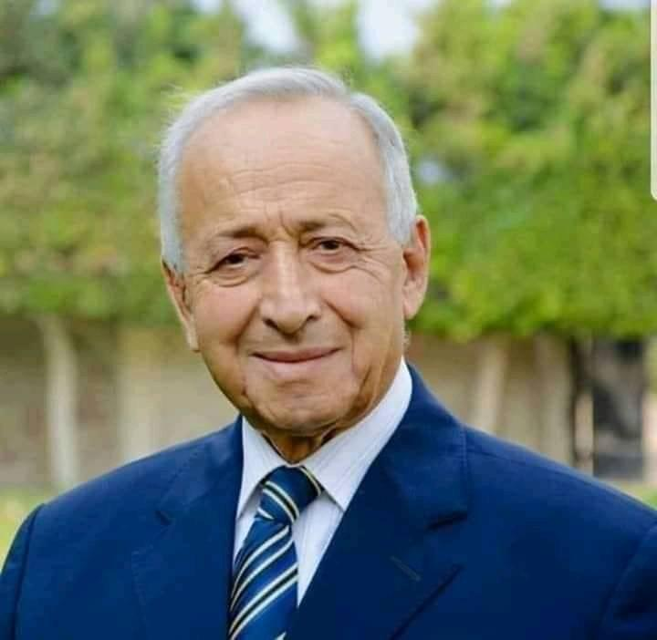 صورة دفن الدكتور مصطفى السعيد وزير الاقتصاد الأسبق عصر اليوم بمسقط رأسه بالشرقية