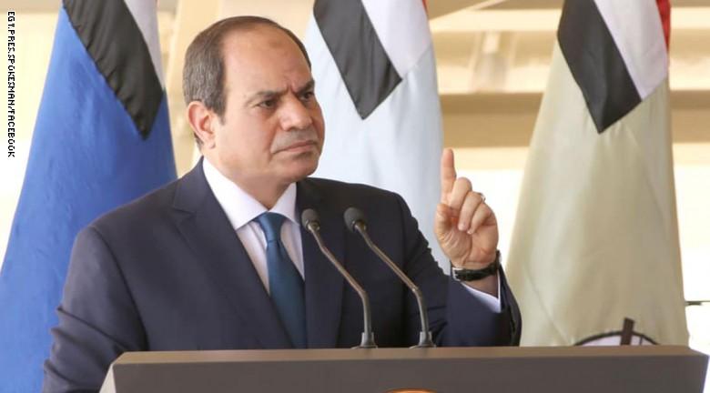 صورة السيسي يقاطع كامل الوزير: محدش يعمل كده في بلده