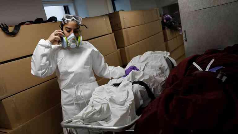 جديدة في تشريح جثث مرضى كورونا