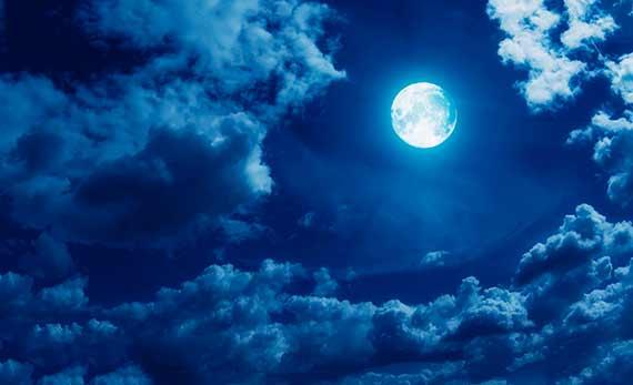 صورة ما هو قمر الرعد الذي يمر عبر ظل الأرض مساء اليوم