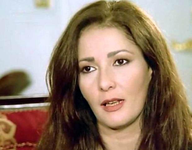 صورة في عيد ميلاد آثار الحكيم.. عدد زيجاتها وقصة حرمانها من أولادها
