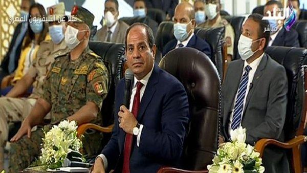 صورة بالطائرة.. السيسي يحكي مشهدا أغضبه خلال قدومه لافتتاح المشروعات بالإسكندرية