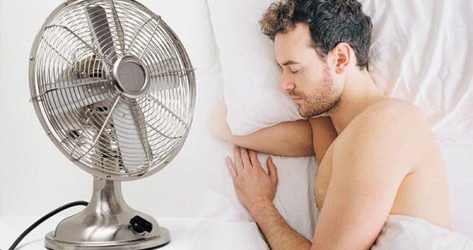ما يحدث لجسمك عند استخدام المروحة في المنزل