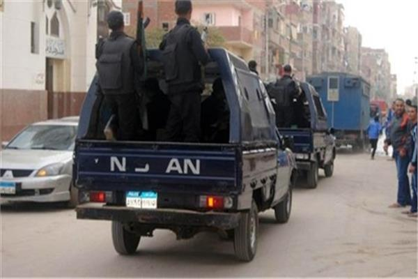 صورة لحظة القبض على مدرسين لإعطائهم دروس خصوصية بالشرقية