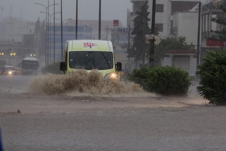 صورة دولة عربية تتعرض لفيضانات شديدة بعد السودان