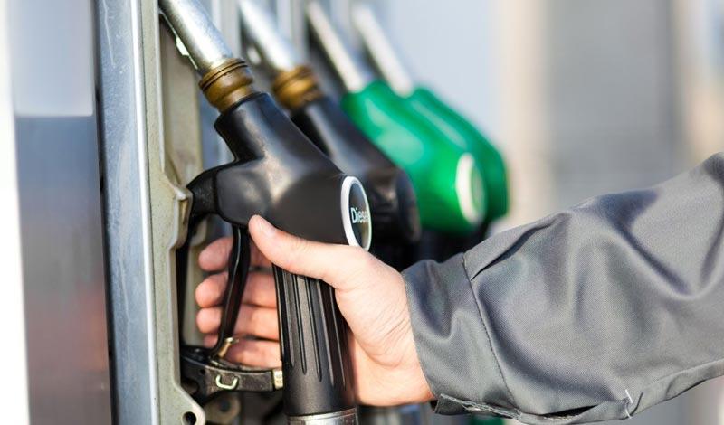أسباب تثبيت أسعار البنزين