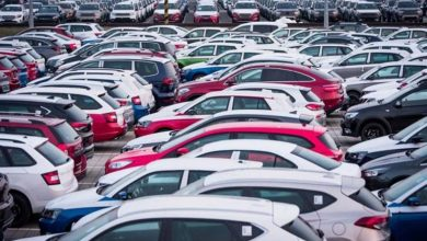 صورة الجمارك تعرض 51 سيارة للبيع في مزاد علني.. رونج روفر ونيسان وشيفروليه