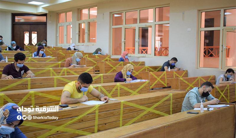 إلغاء امتحانات الجامعات والمعاهد