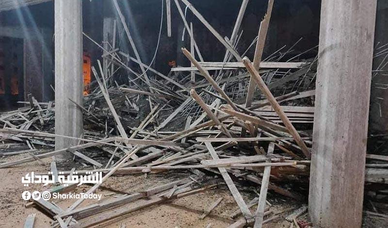 انهيار سقف مسجد تحت الإنشاء على العمال في الشرقية