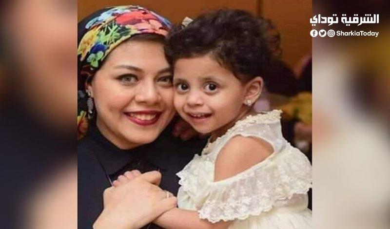 الطفلة ليلى التي تبرعت لها والدتها بجزء من كبدها1