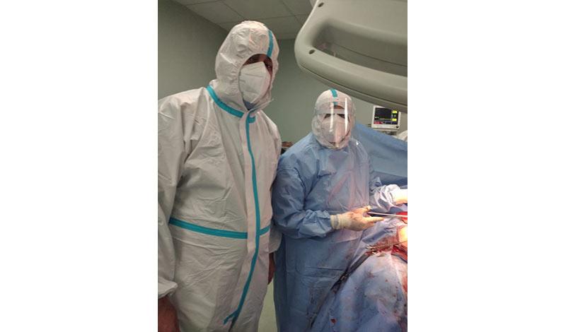 عملية ولادة قيصرية لمصابة بكورونا 3
