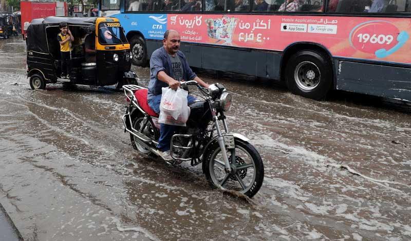 الأرصاد تحذر من أمطار الجمعة