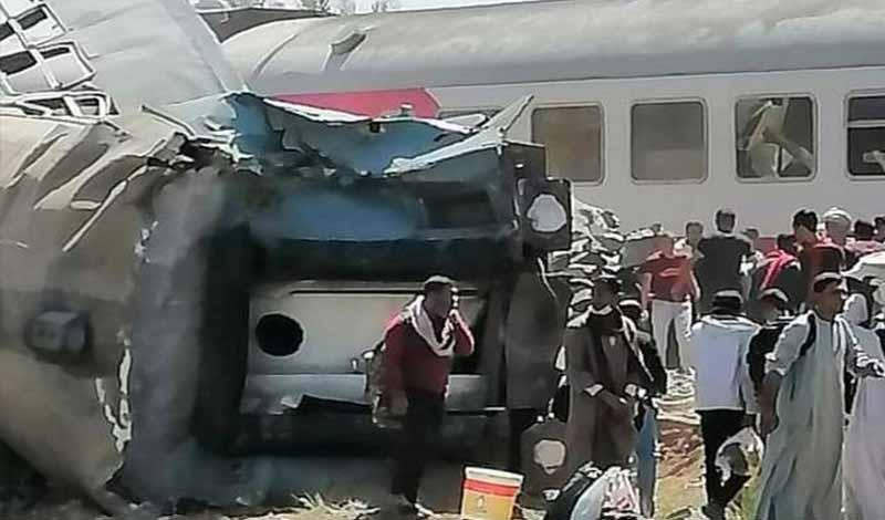 أول فيديو لتصادم قطارين سوهاج