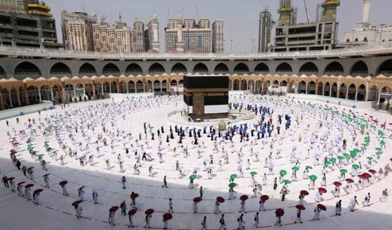الحج هذا العام تعلنها تقارير سعودية.. اللقاح والكمامة