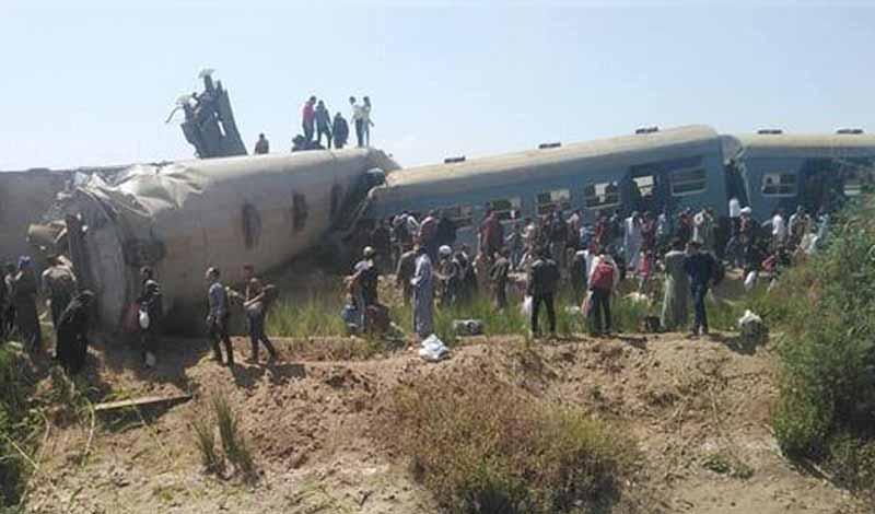 تصادم قطاري سوهاج.. وفاة 32 وإصابة 66 شخص حتى الآن