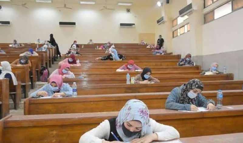 امتحانات الجامعات الحكومية
