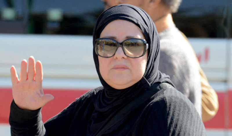 إيمي سمير غانم تطلب الدعاء لوالدتها