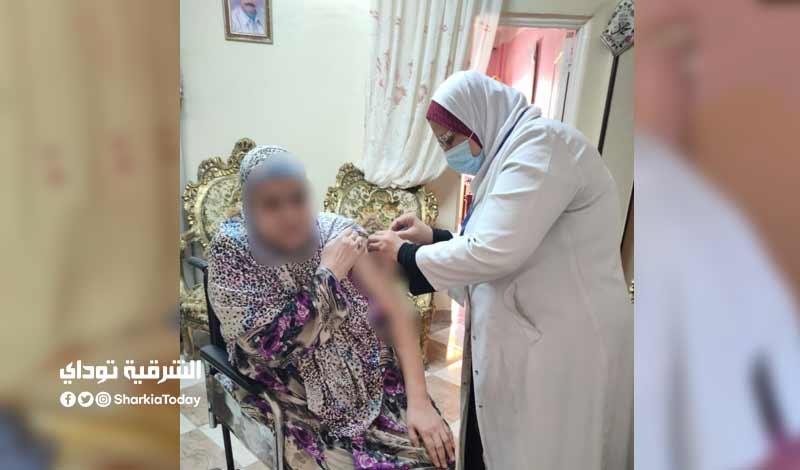 تطعيم المواطنين بلقاح كورونا في المنازل