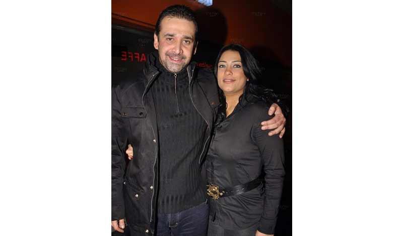 عبد العزيز وزوجته هايدي سرور.jpg 4