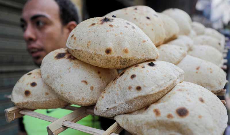 سبب وقف صرف الخبز والمقررات التموينية