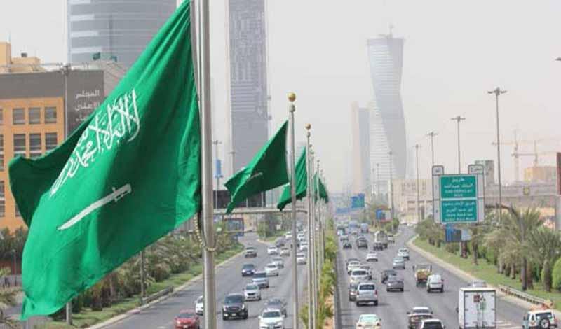 السعودية تمدد إقامة الوافدين مجانًا