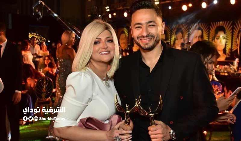 الأول لزوجة الفنان حمادة هلال بعد خلع الحجاب في مهرجان الفضائيات فيديو 2