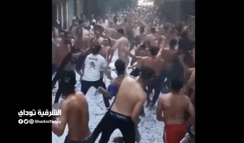 احتفال في حي شعبي